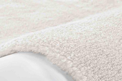 wit-hoogpolig-vloerkleed