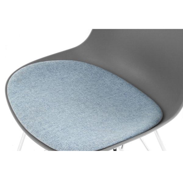 Grijze eettafel stoelen lichtblauw