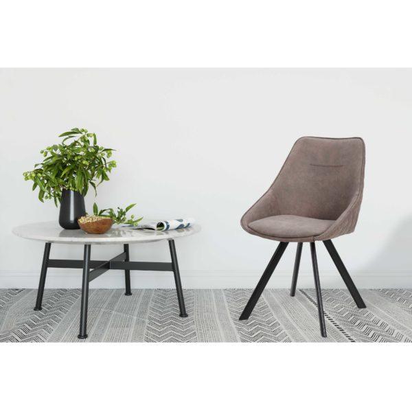 Bruine eetkamer stoelen