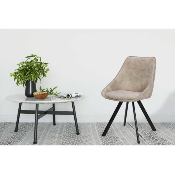 Lichtbruine eetkamer stoelen