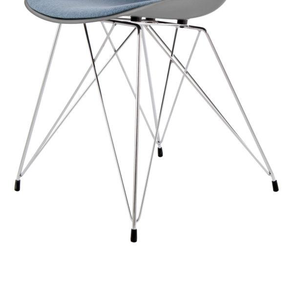grijze-eettafel-stoelen-lichtblauw