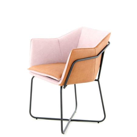 roze-design-stoel-oranje-leer