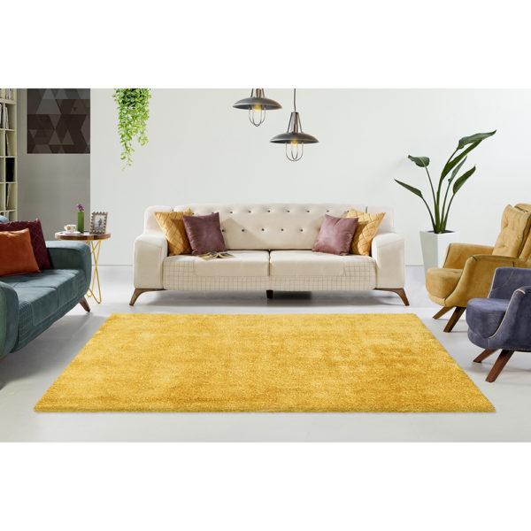 geel-hoogpolig-karpet
