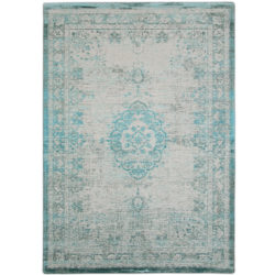 Lichtblauw-vintage-vloerkleed